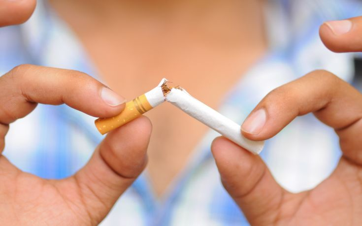 Τέλος το κάπνισμα σε δημόσιους χώρους με εντολή Μητσοτάκη