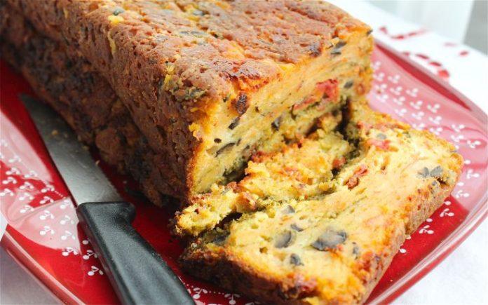 Κέικ με ζαμπόν και λαχανικά: αλμυρή λιχουδιά με πλούσια γέμιση